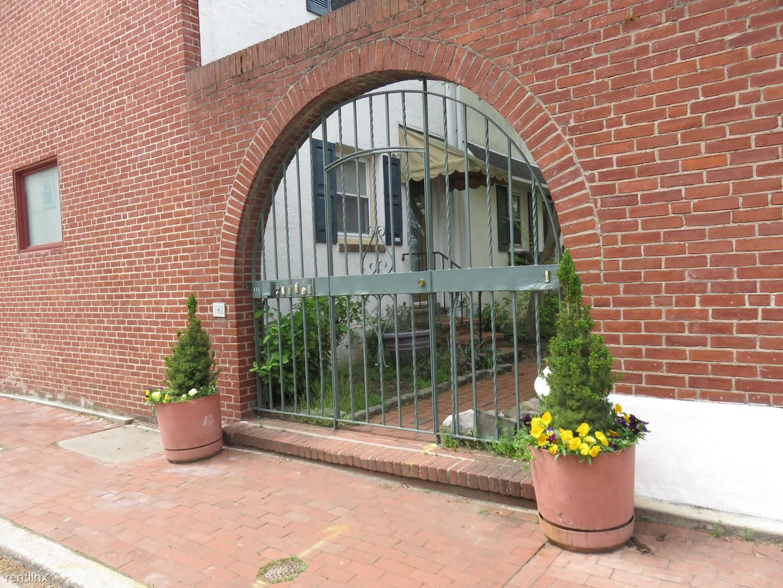 416 S Hutchinson Street