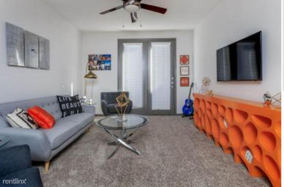 1410 K Ave Ste 1105A rental