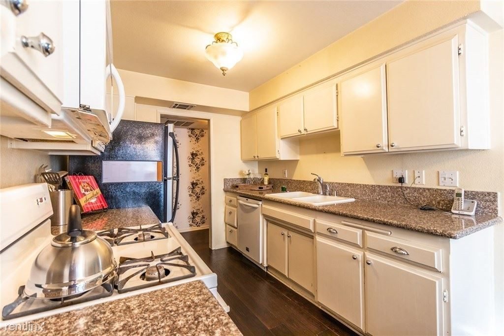 4528 Colbath Ave Apt 104 rental