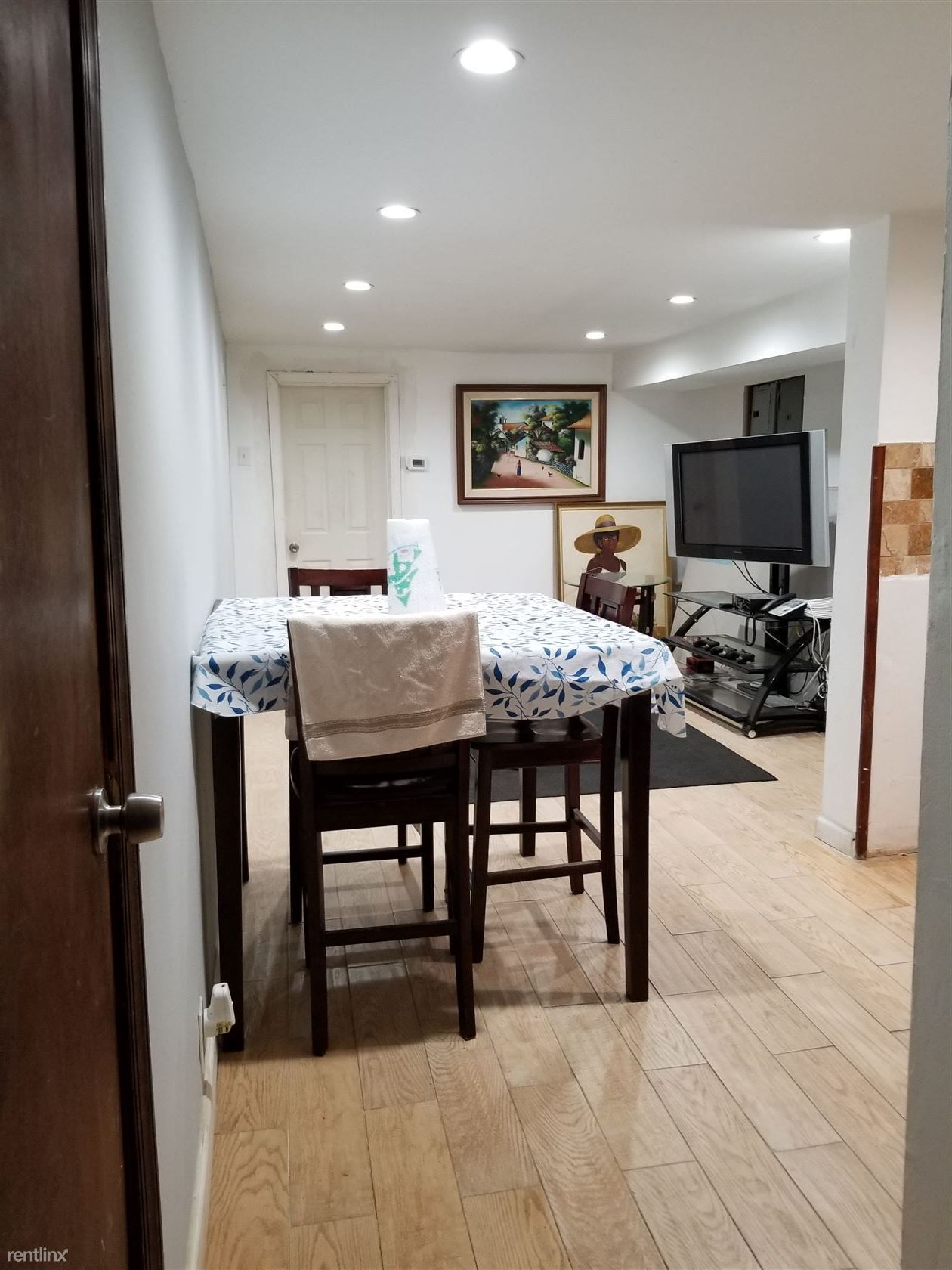1112 27th St Apt Bsmt for rent