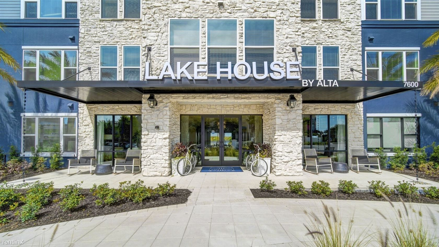 Landing Furnished Apartment Lake House by Alta