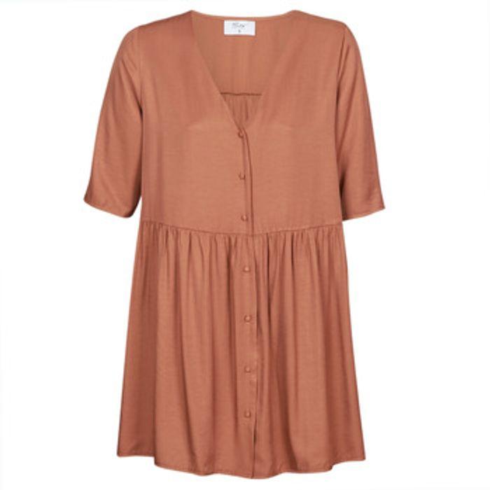 Κοντά Φορέματα Betty London MOUDENE Σύνθεση: Matière synthétiques,Viscose / Lyocell / Modal,Πολυεστέρας,Βισκόζη