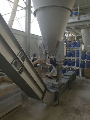 Kettingtransport schuin oplopend - Bulk Solids Industrie - Poeth Solids Processing - Tegelen