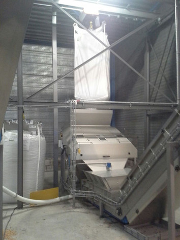 Sifter with automatic screen tentioning - Feed industry - Poeth Solids Processing - Tegelen