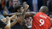 【原來是Ibaka和Chriss的無差別量級格鬥賽 我還以為在看NBA!】