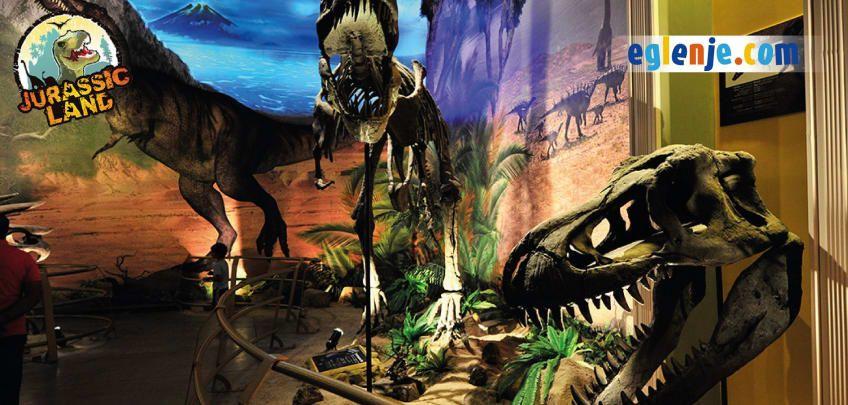 Jurassic Land Banner 4