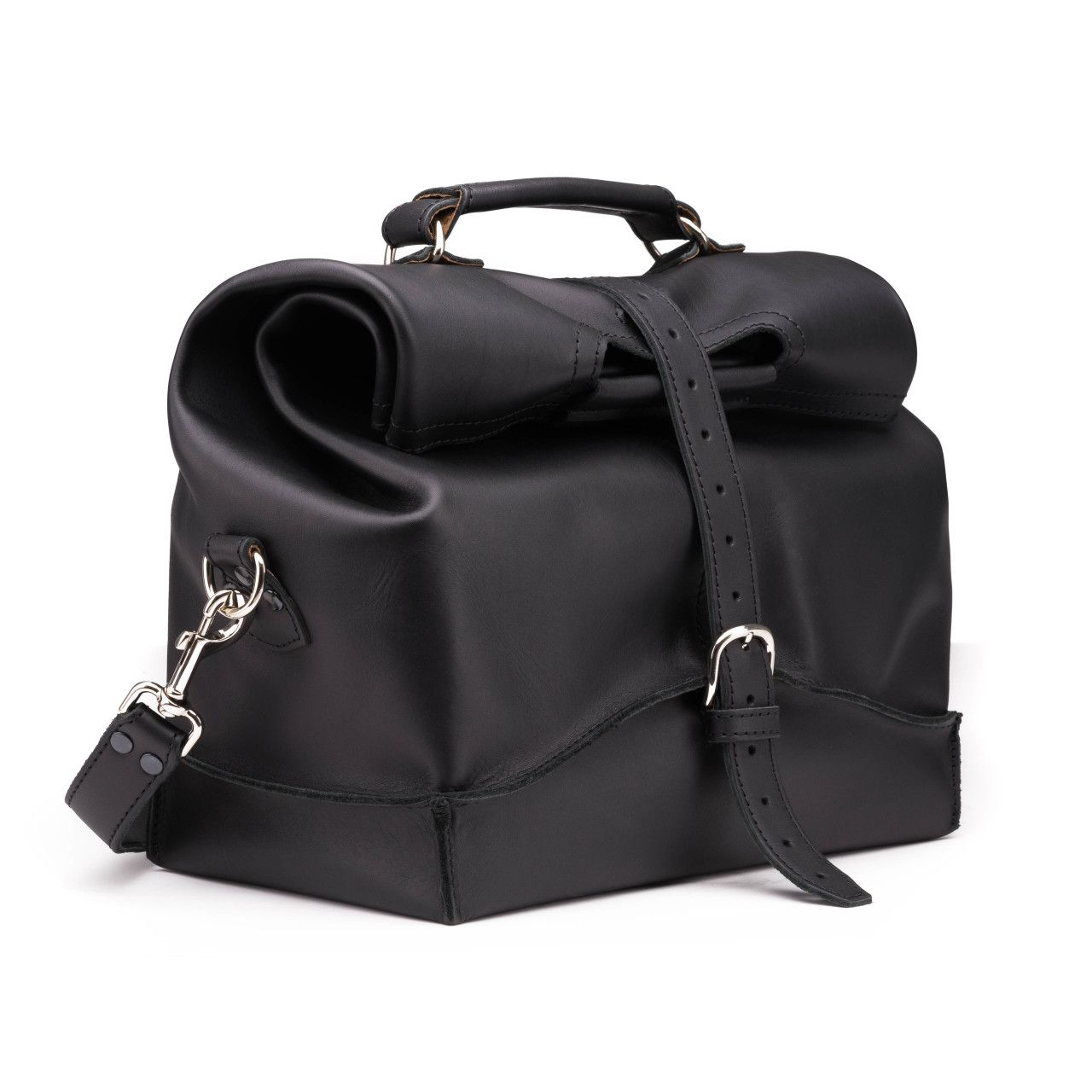leather overnight bag large in black leather