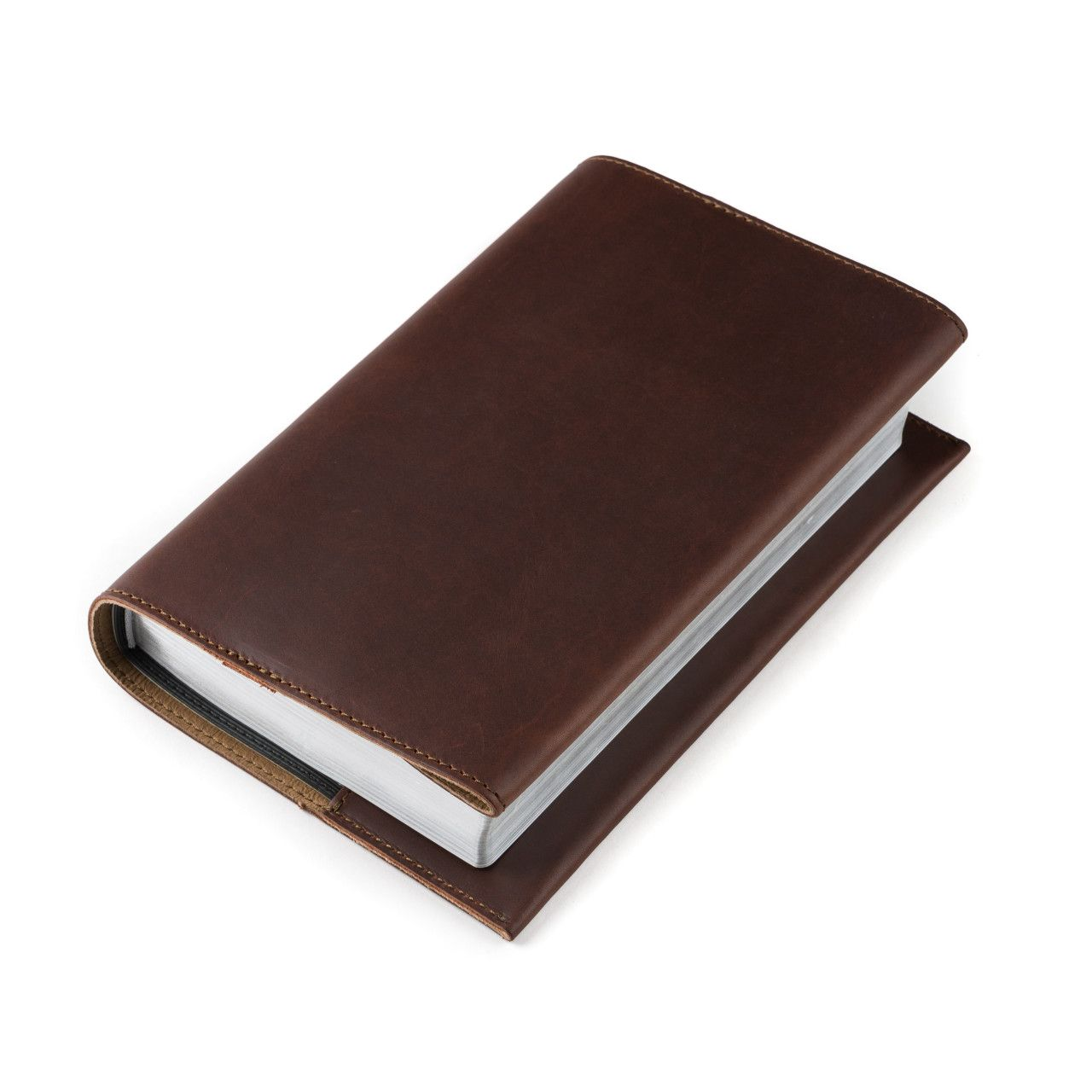 leather book cover medium in chestnut leather