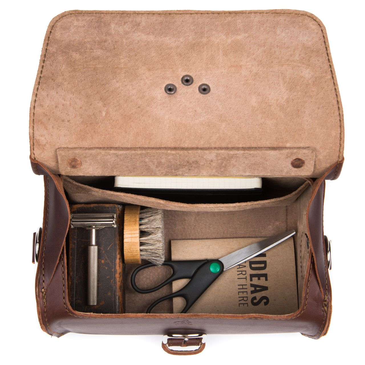 leather travel case medium in chestnut leather is great on the trip