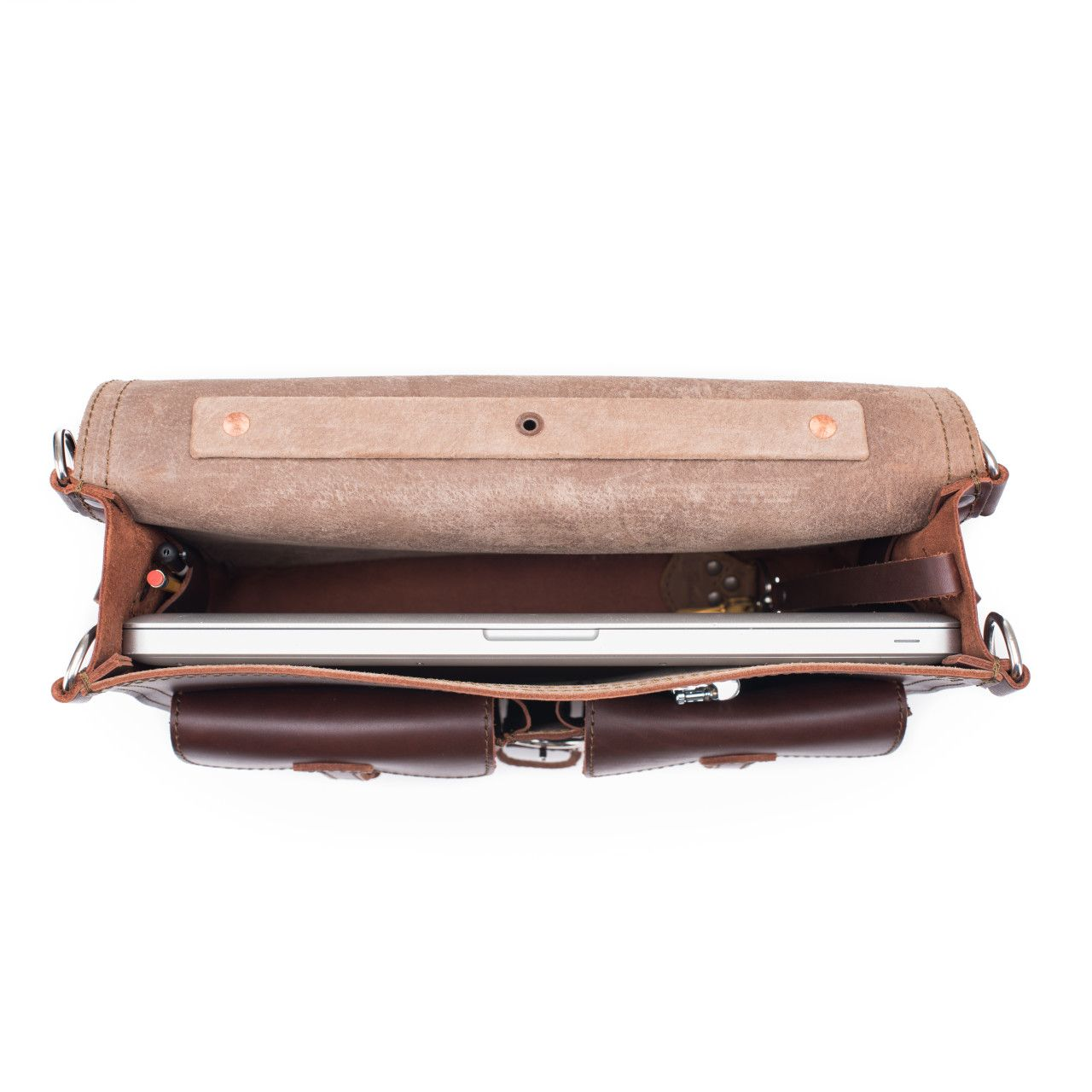 thin front pocket leather briefcase medium in chestnut leather is excellent for a couple of office materials like macbook, etc.