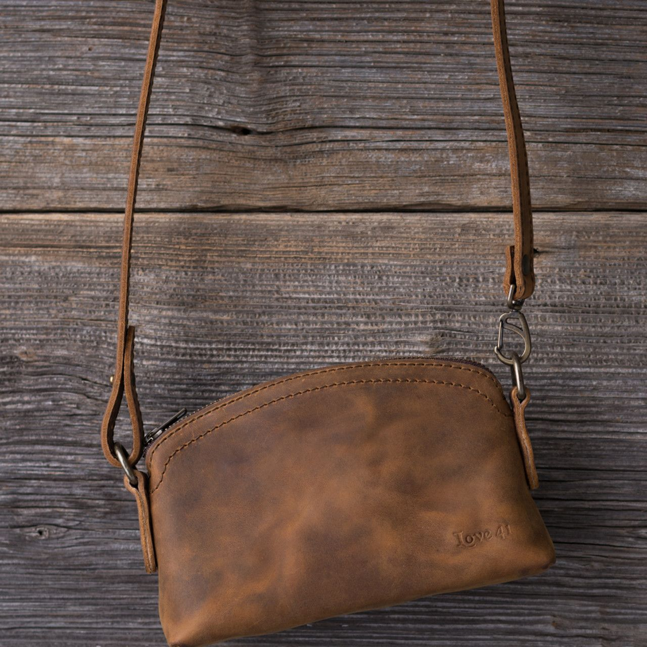 Leather Cosmetic Bag in tobacco