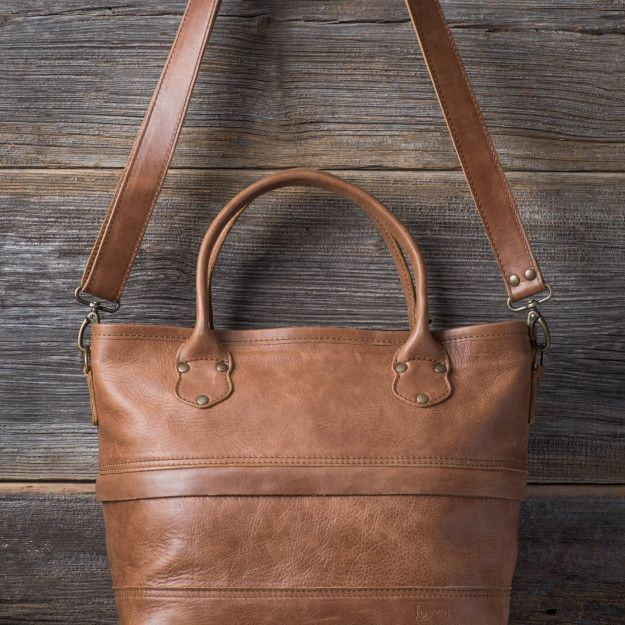 Zipper Leather Tote in caramel brown