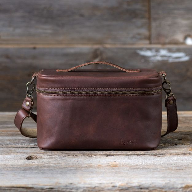 Leather Toiletry Bag in chestnut