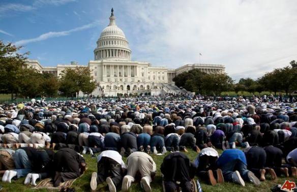 [Image: muslim-prayers-at-the-us-capitol.jpg?w=584&h=378]