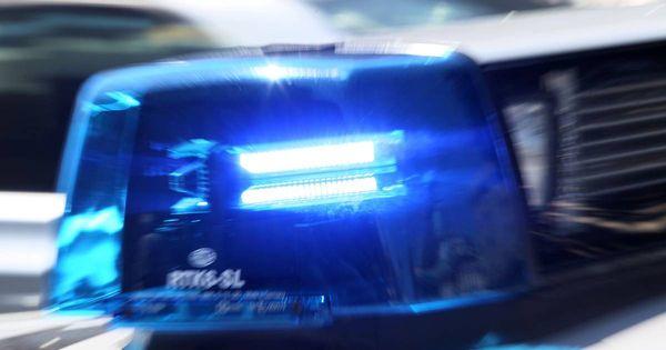 Kriminalität in Meerbusch: Seniorin übergibt EC-Karte an falschen Polizisten