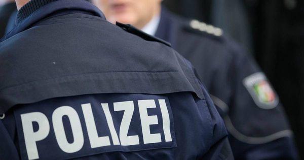 Verstöße gegen Corona-Regeln: Mehrere Polizisten bei Auflösung von Party verletzt