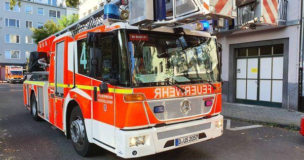 Feuerwehr Düsseldorf: Brand in der Papierfabrik in Bilk