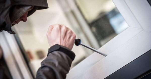 Prozess am Landgericht Kleve: Halbnackt vor der Polizei geflüchtet