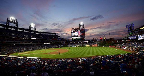 US-Video geht viral: Fan fängt Baseball mit einer Hand - und Eis in der anderen