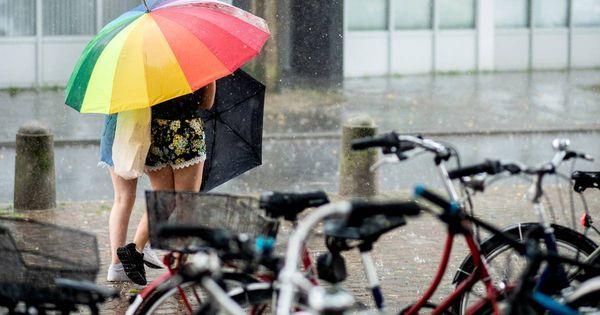 Auch Starkregen möglich: Zahlreiche Schauer und Gewitter in NRW erwartet