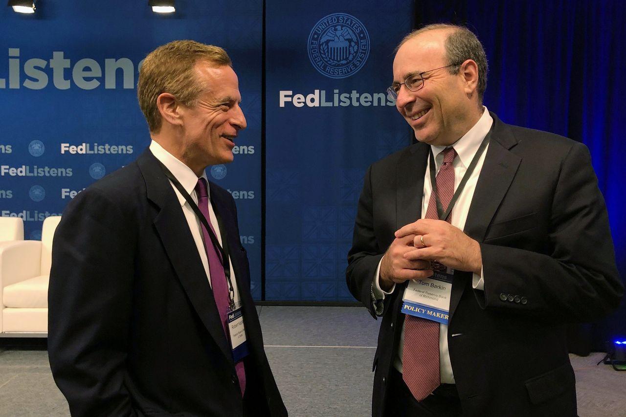 达拉斯联邦储备银行行长卡普兰(左)和里士满联储银行行长巴尔金周一在不同的视频讲话中讨论了债券收益率上升。图为他们在2019年。