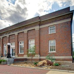 Photo of Waynesville's City Hall Brick Building