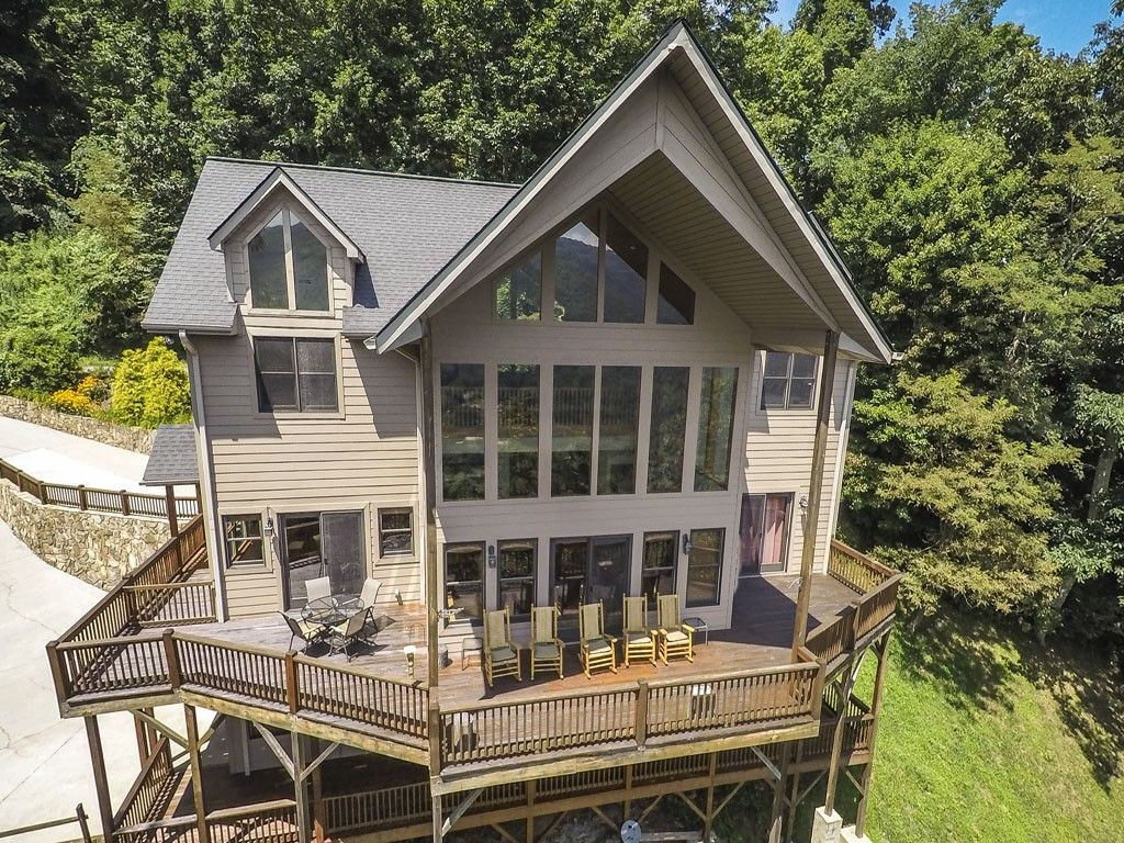 602 Grandview Cliff Heights in Maggie Valley, North Carolina 28751 - MLS# 590291