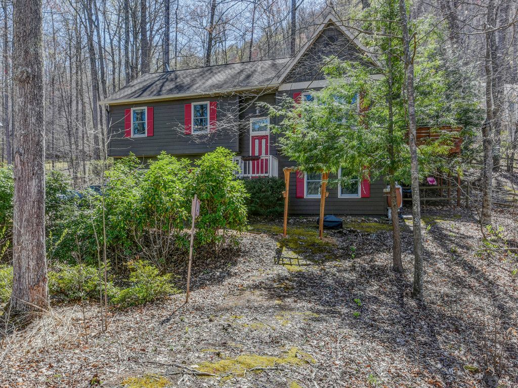 20 Bright Leaf Cove in Maggie Valley, North Carolina 28751 - MLS# 3173658