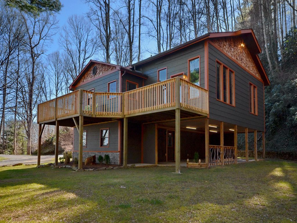 640 Pot Leg Road in Waynesville, North Carolina 28785 - MLS# 3253350