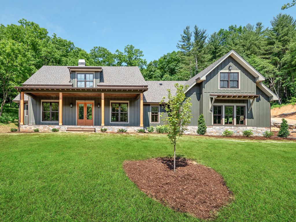 7 Twinflower Trail in Asheville, North Carolina 28804 - MLS# 3260296