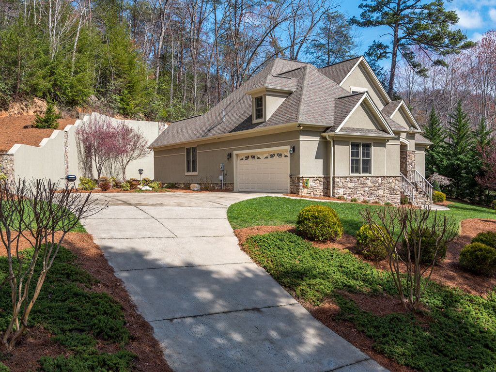608 Mountain Boulevard #3 in Lake Lure, North Carolina 28746 - MLS# 3260900