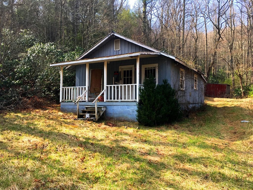 44 Maryfield Road in Fairview, North Carolina 28730 - MLS# 3263591