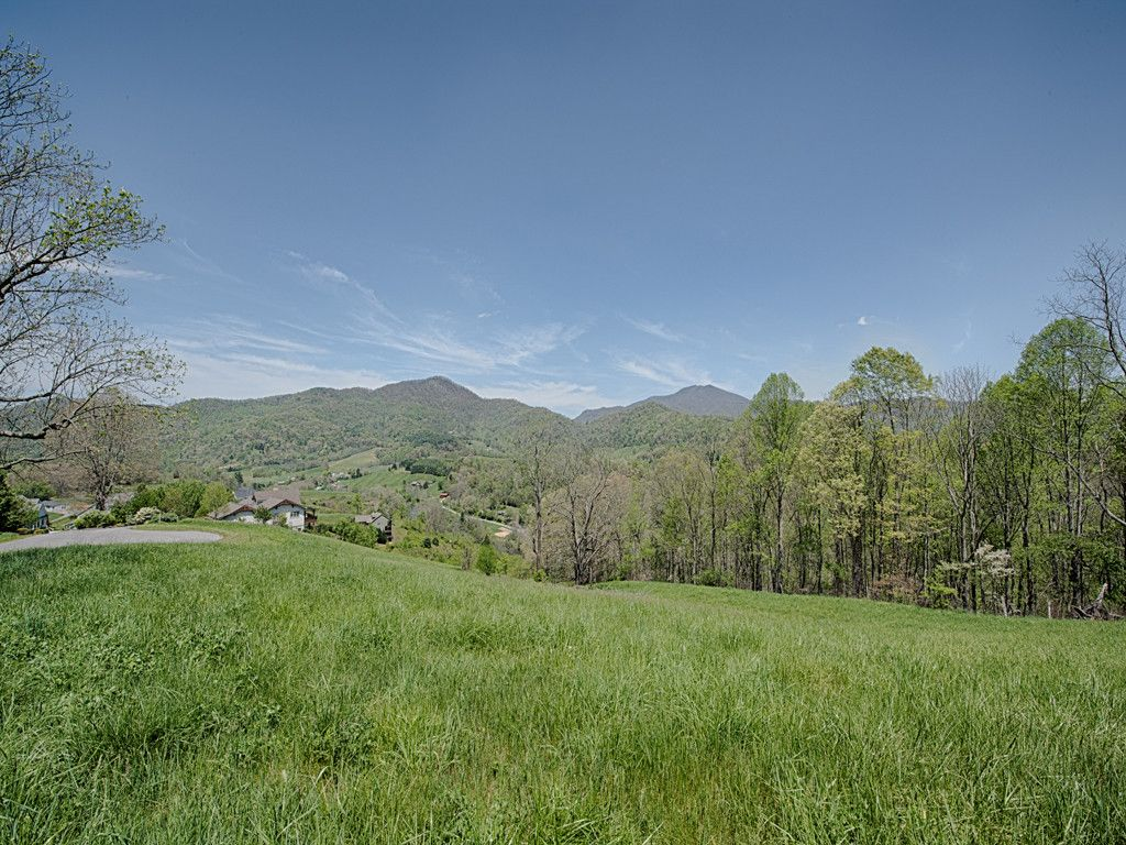 Lot 9 Everview Lane in Waynesville, North Carolina 28785 - MLS# 3277442