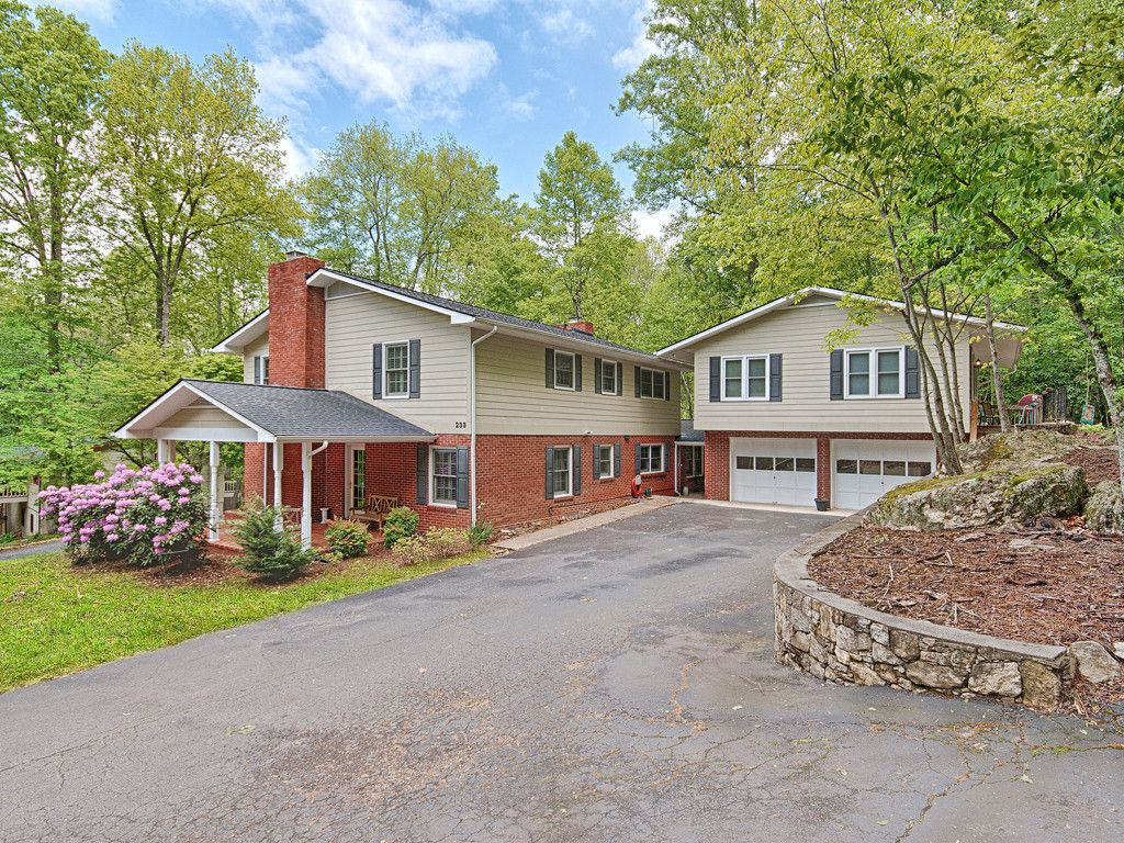 233 Dogwood Drive in Maggie Valley, North Carolina 28751 - MLS# 3279779