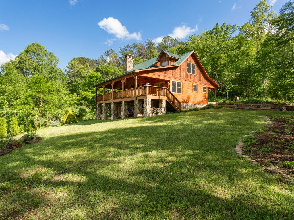 468 Desoto Trail in Sylva, North Carolina 28779 - MLS# 3283032