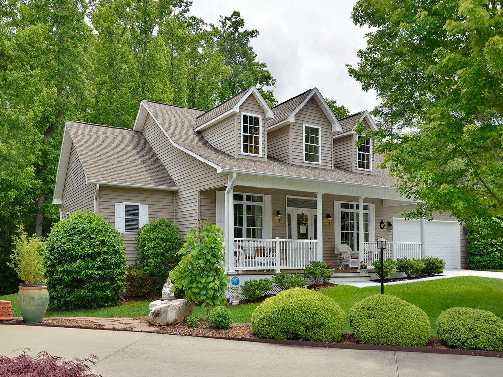 43 Golden Pond Court in Hendersonville, North Carolina 28791 - MLS# 3284304