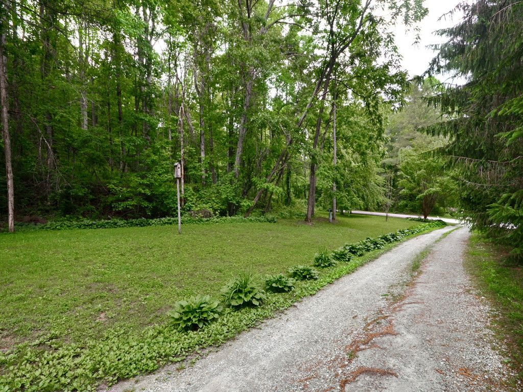 Lot #28 Viewcrest Drive #28 in Hendersonville, North Carolina 28739 - MLS# 3284603