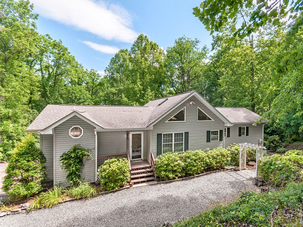 759 Evergreen Farm Circle in Waynesville, North Carolina 28786 - MLS# 3289210