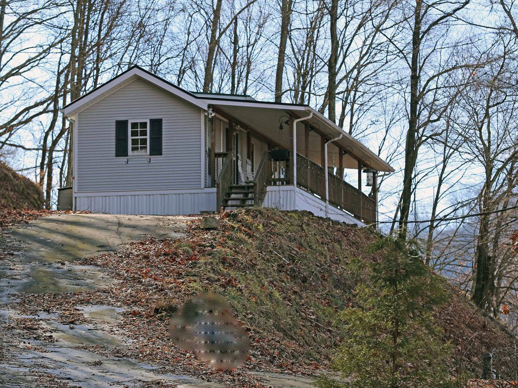 408 Whispering Wind Road in Waynesville, North Carolina 28785 - MLS# 3290760