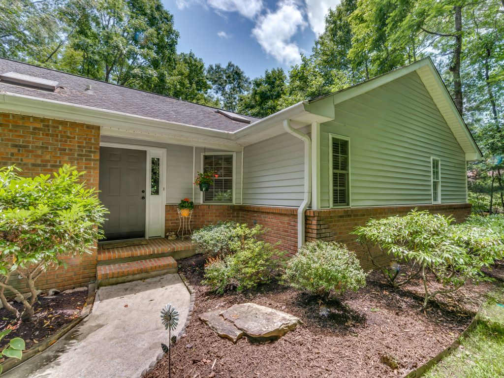545 Hunters Glen Lane in Hendersonville, North Carolina 28739 - MLS# 3294963
