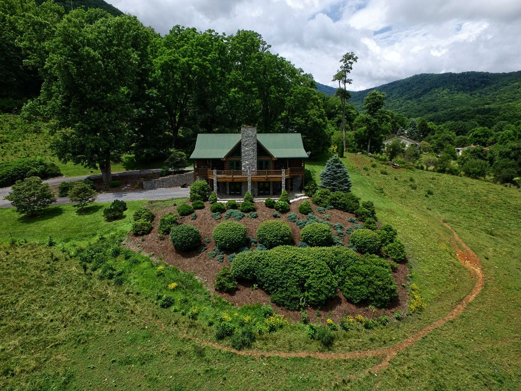234 Blazing Star Trail in Waynesville, North Carolina 28786 - MLS# 3295865