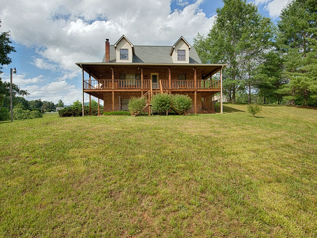 33 Harmony Lane in Waynesville, North Carolina 28785 - MLS# 3301307