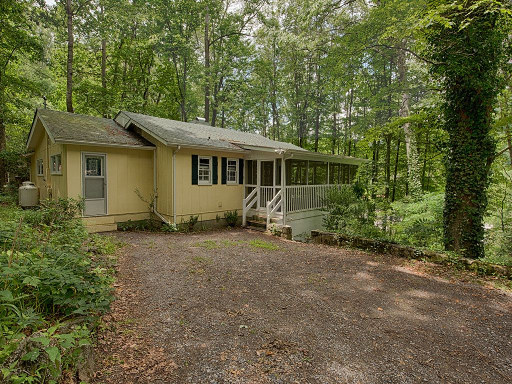 173 Lister Lane in Maggie Valley, North Carolina 28751 - MLS# 3303642