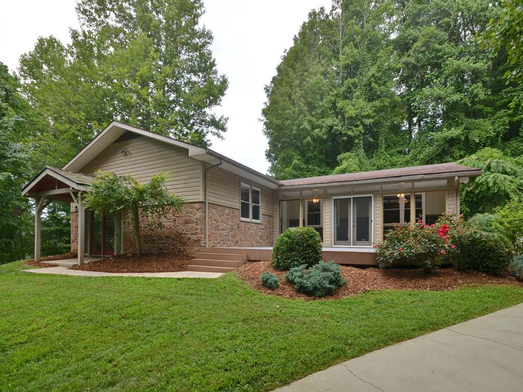 100 Far Side Way in Waynesville, North Carolina 28786 - MLS# 3308174