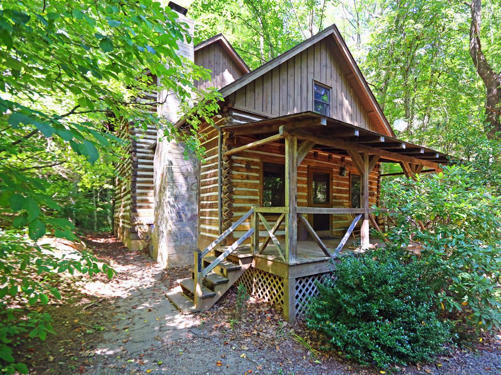 633 Creekside Drive in Maggie Valley, North Carolina 28751 - MLS# 3310465