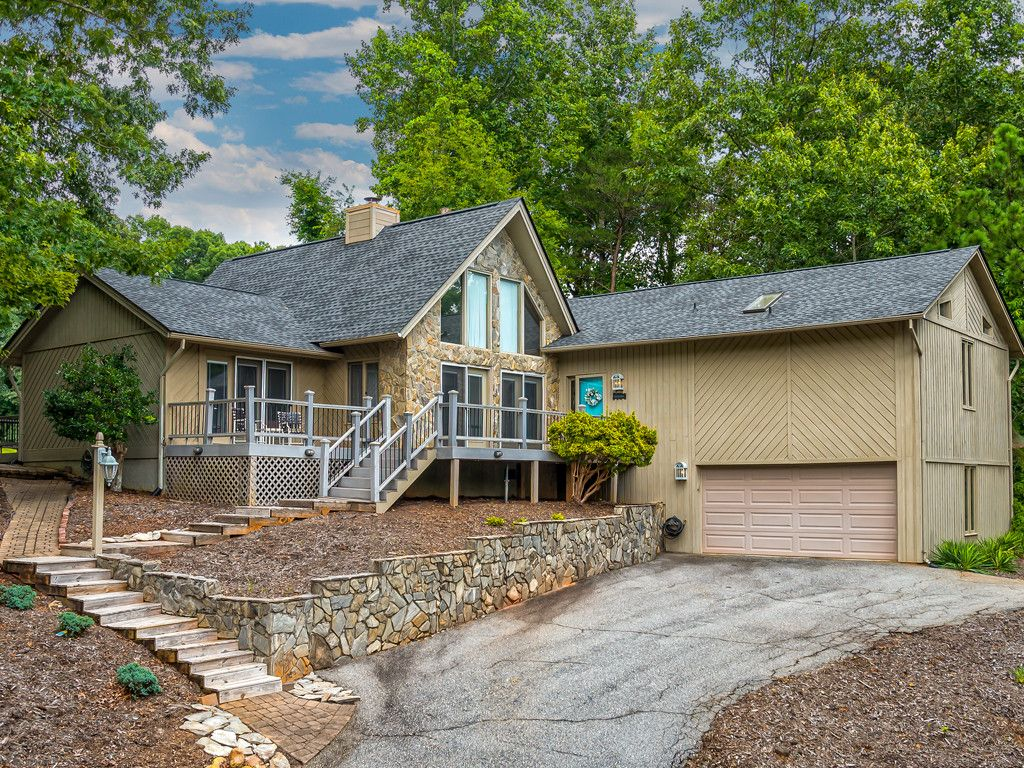 326 Fern Loop in Lake Lure, North Carolina 28746 - MLS# 3311293