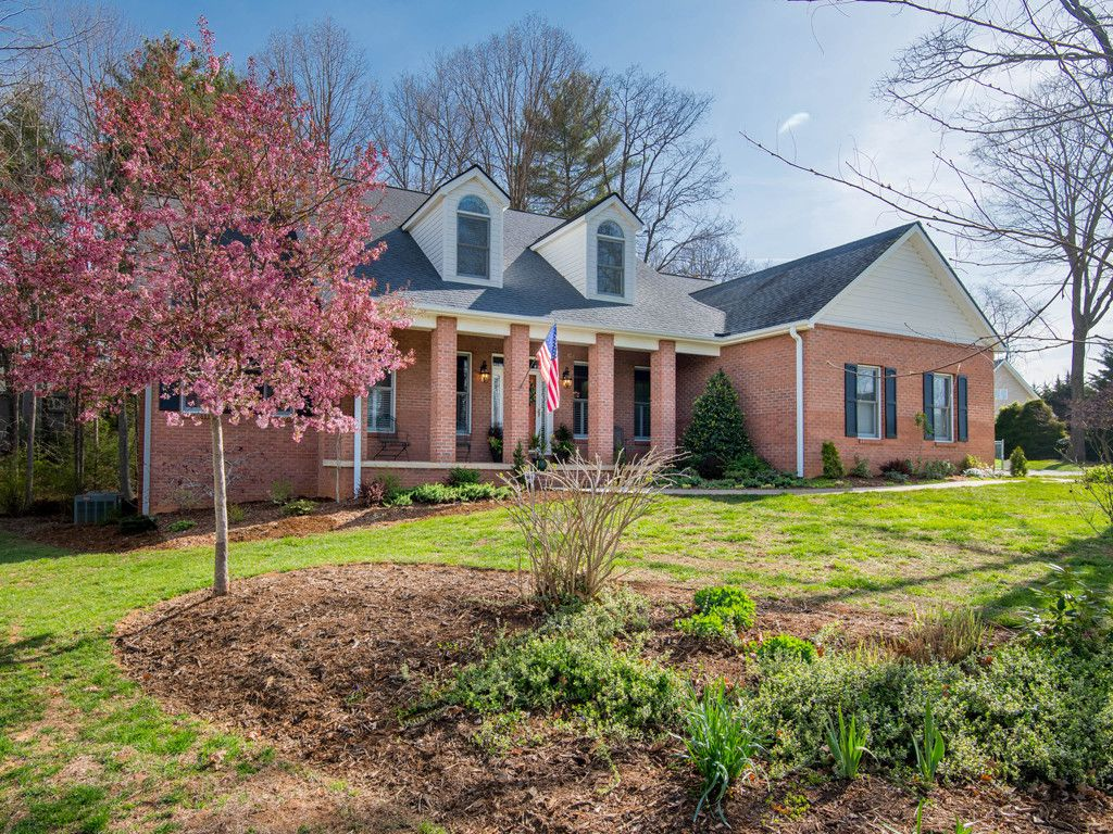 34 Forest Knoll Drive #18 in Weaverville, North Carolina 28787 - MLS# 3317939