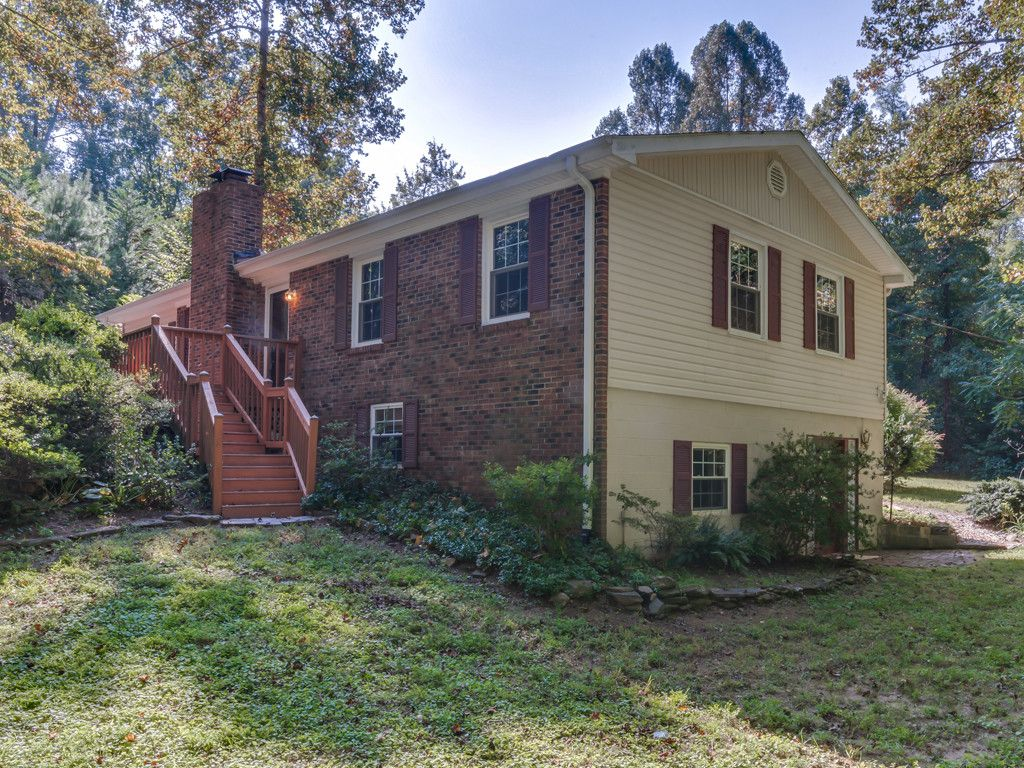 8 Tanglewood Lane in Saluda, North Carolina 28773 - MLS# 3308952