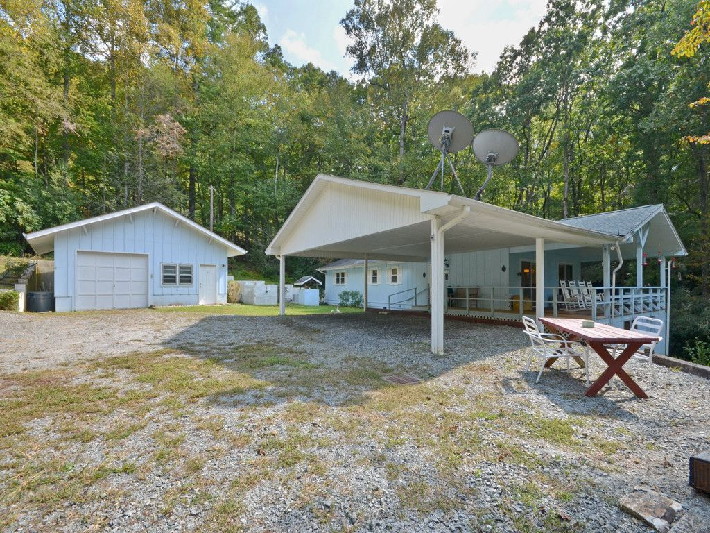 3138 Old Ccc Road in Hendersonville, North Carolina 28739 - MLS# 3322394