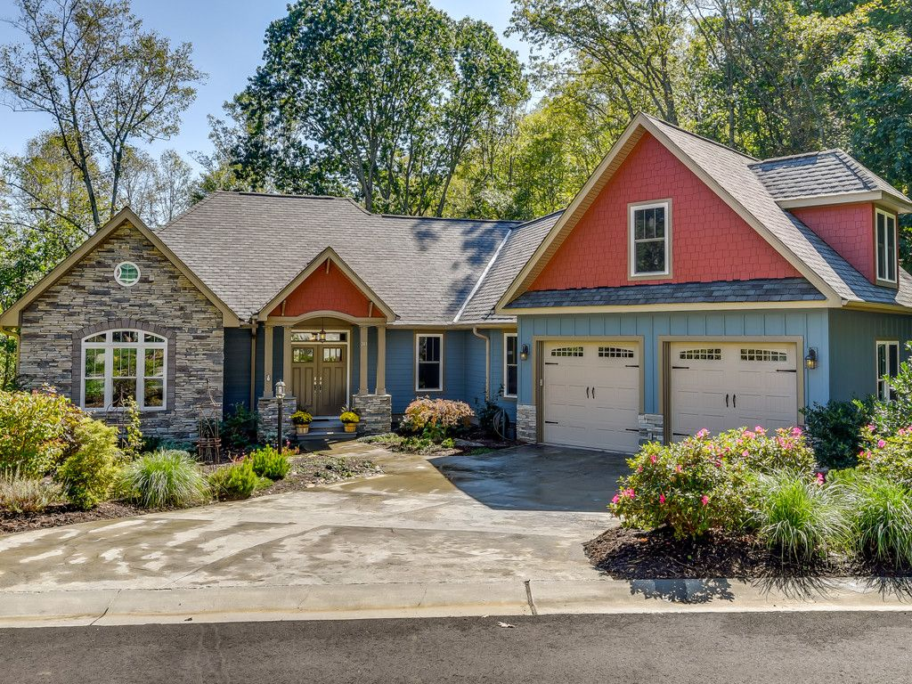 311 Carriage Crest Drive in Hendersonville, North Carolina 28791 - MLS# 3324728